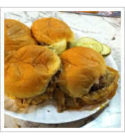 Cheeseburger Sliders at White Manna