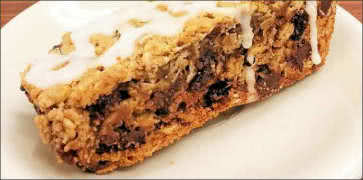 Chewy Chocolate Chip Pecan Oat Bar