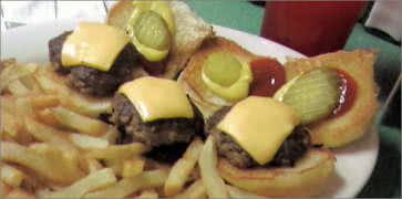 Cheeseburger Sliders with Fries