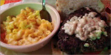 Grass-Fed Beef Burger with Macaroni and Cheese