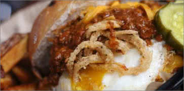 Harolds Chili Burger