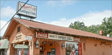 Mancis Antique Club in Daphne