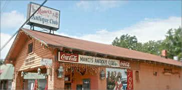 Mancis Antique Club in Daphne