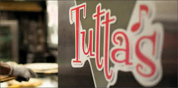 Tuttas Pizza in Dallas